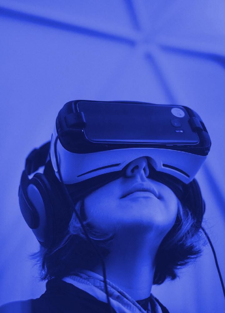 Vývoj aplikací a softwarových řešení pro virtuální a rozšířenou realitu | AR VR